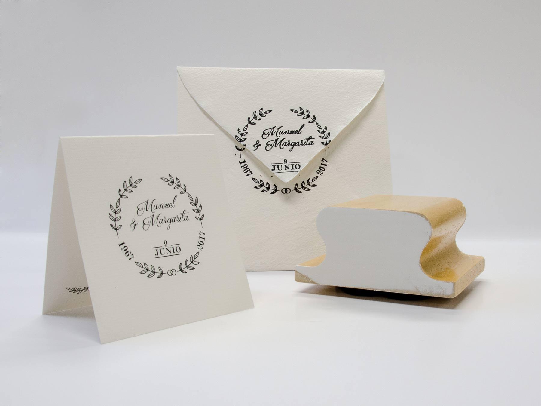 Diseño invitación, sobre y sello bodas de oro